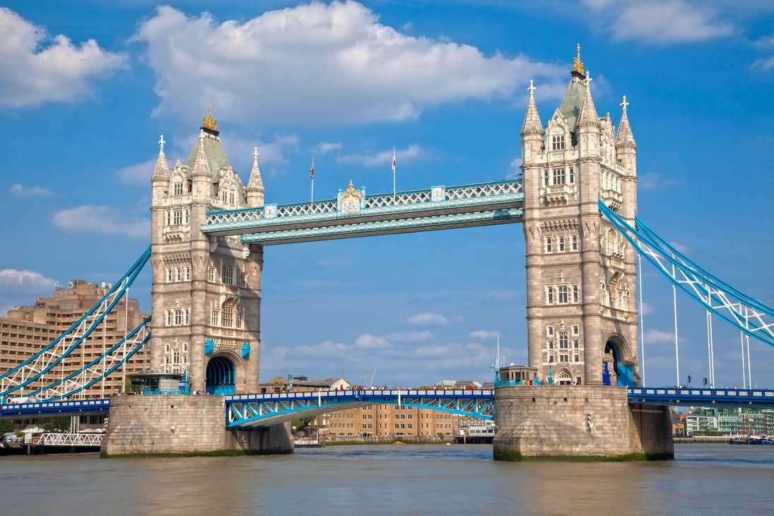 beautiful picture of tower bridge london. Black Bedroom Furniture Sets. Home Design Ideas