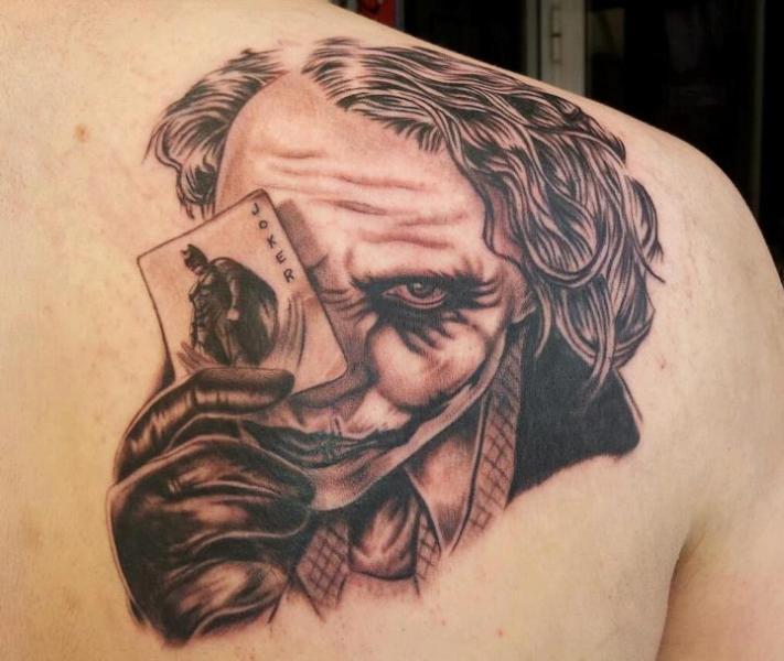 Joker With Batman Card Tattoo On Right Back Shoulder