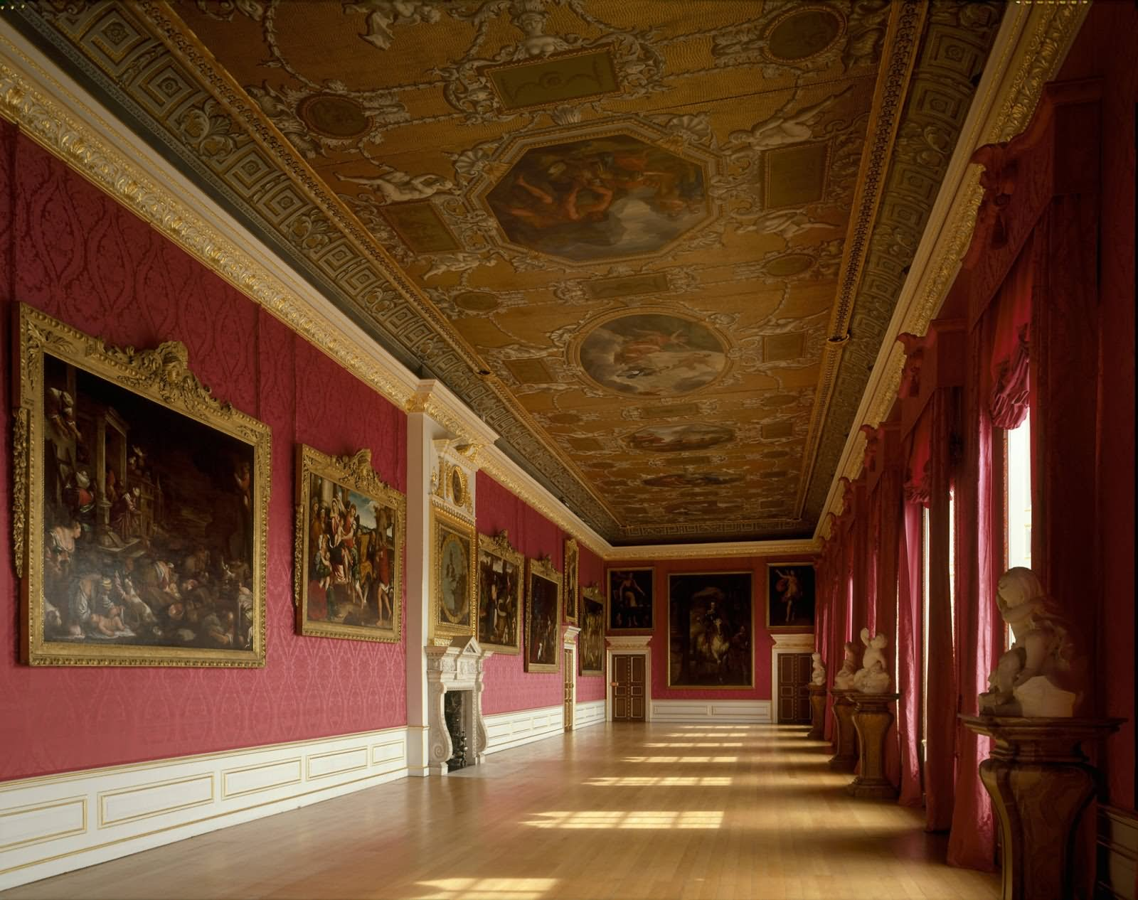 Beautiful Interior Design Of The Buckingham Palace - THE MOST BEAUTIFUL INTERIOR PICTURES OF BUCKINGHAM PALACE LONDON