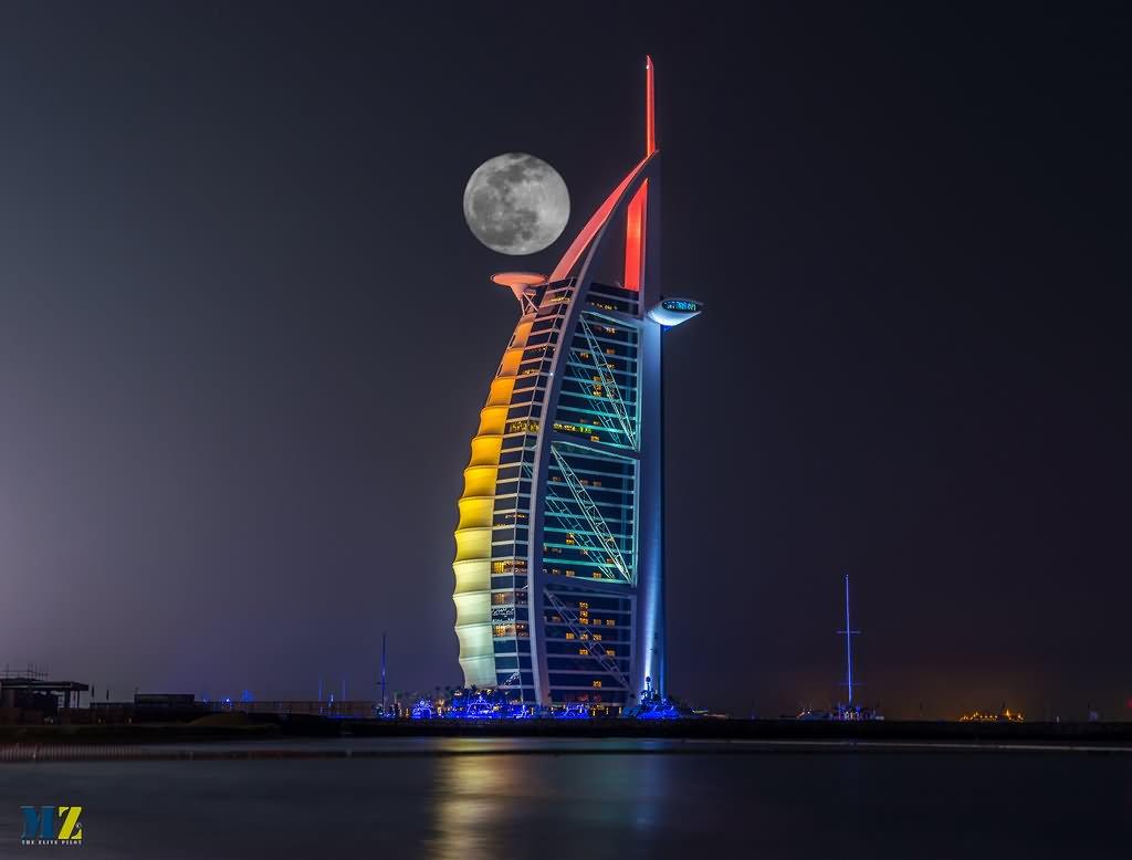35 Most Incredible Night View Images Of Burj Al Arab Dubai