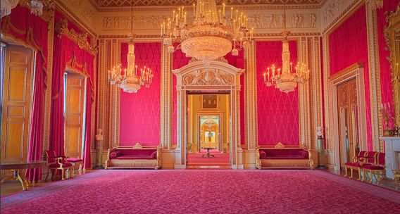 Beautiful Throne Room Inside The Buckingham Palace - THE MOST BEAUTIFUL INTERIOR PICTURES OF BUCKINGHAM PALACE LONDON
