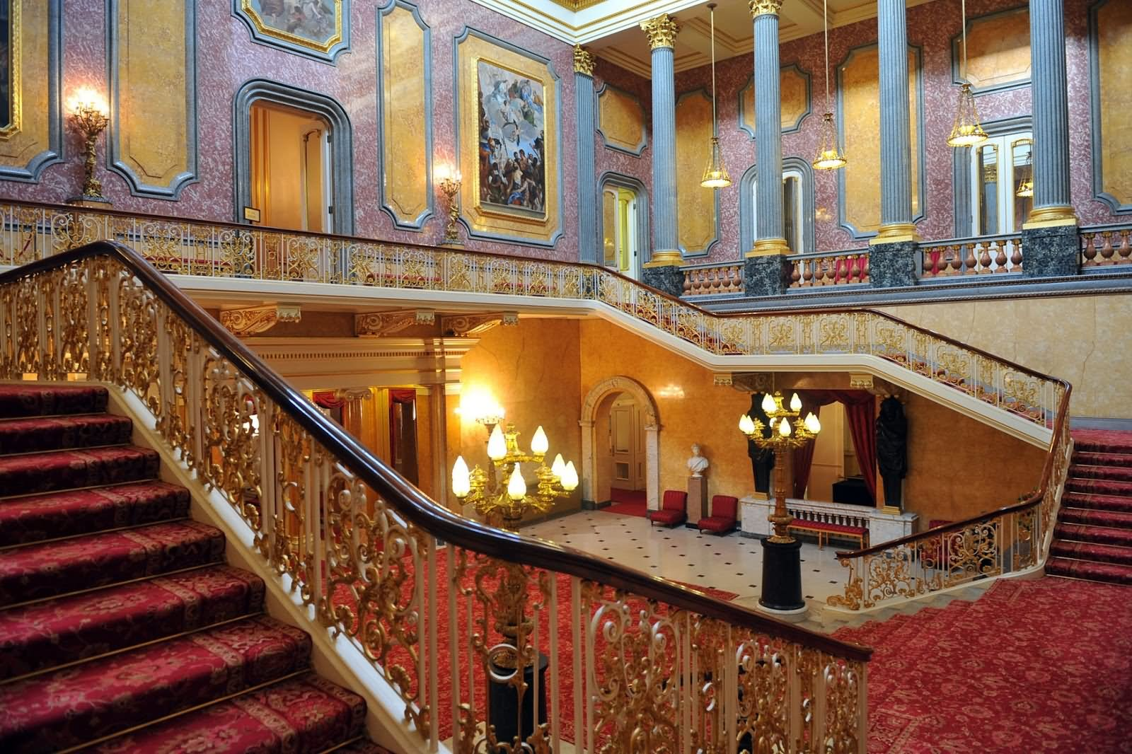 Buckingham Palace Interior View Picture - THE MOST BEAUTIFUL INTERIOR PICTURES OF BUCKINGHAM PALACE LONDON