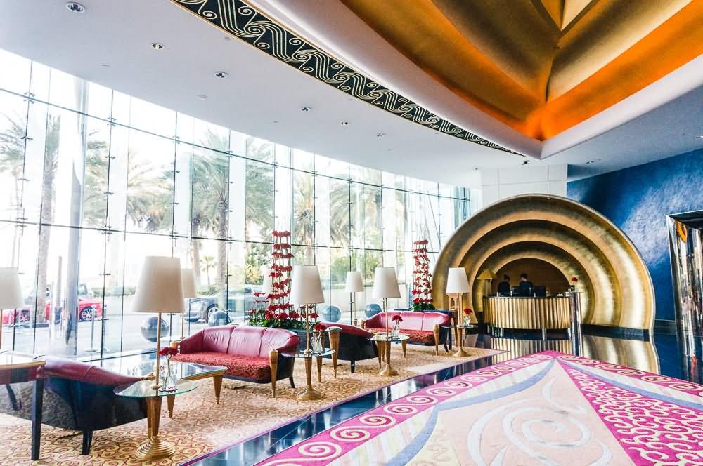 20 most beautiful inside pictures of burj al arab dubai for Burj al arab hotel inside