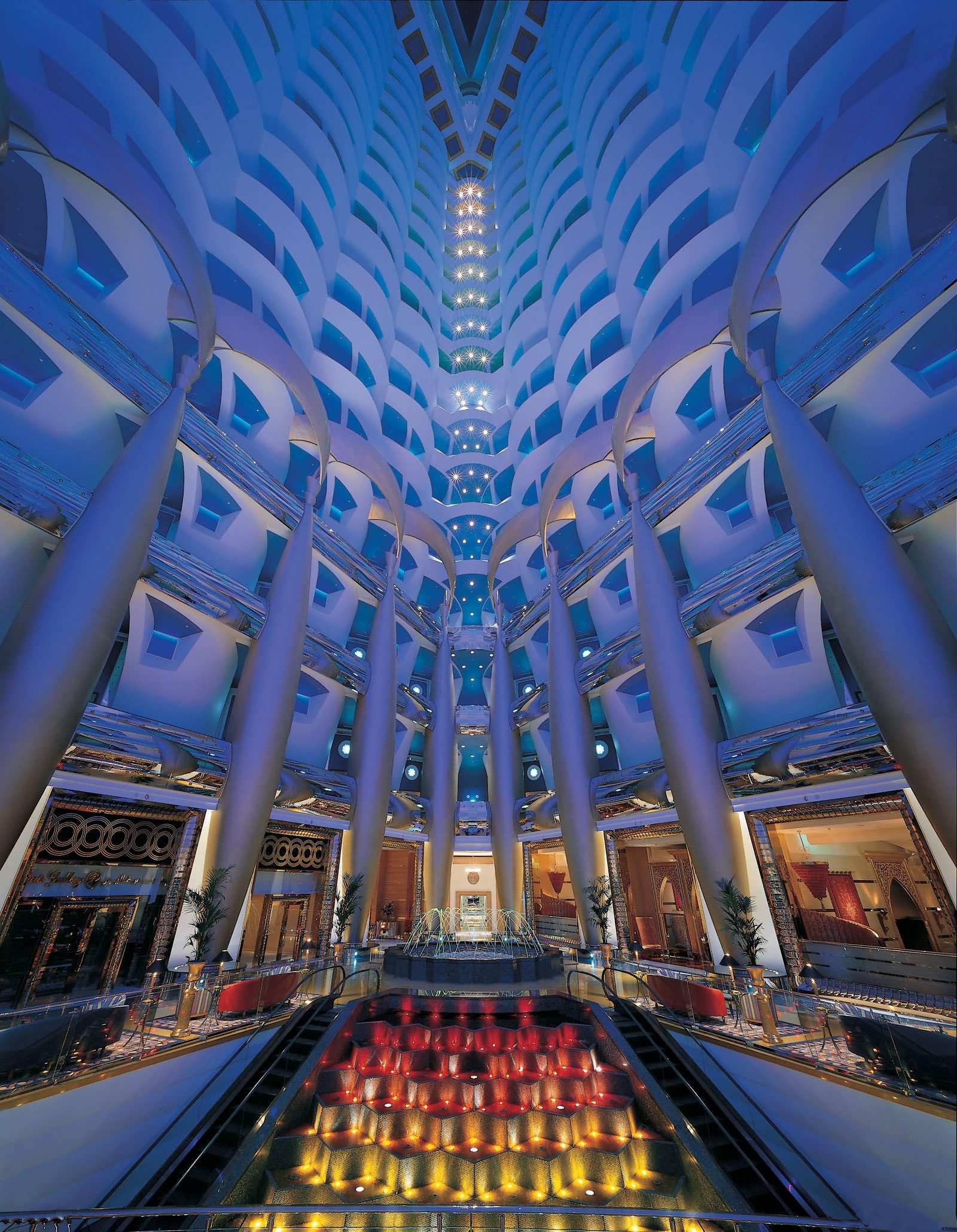 Burj Al Khalifa Inside Cbaarch Dubai Investigates Luxury Hotel