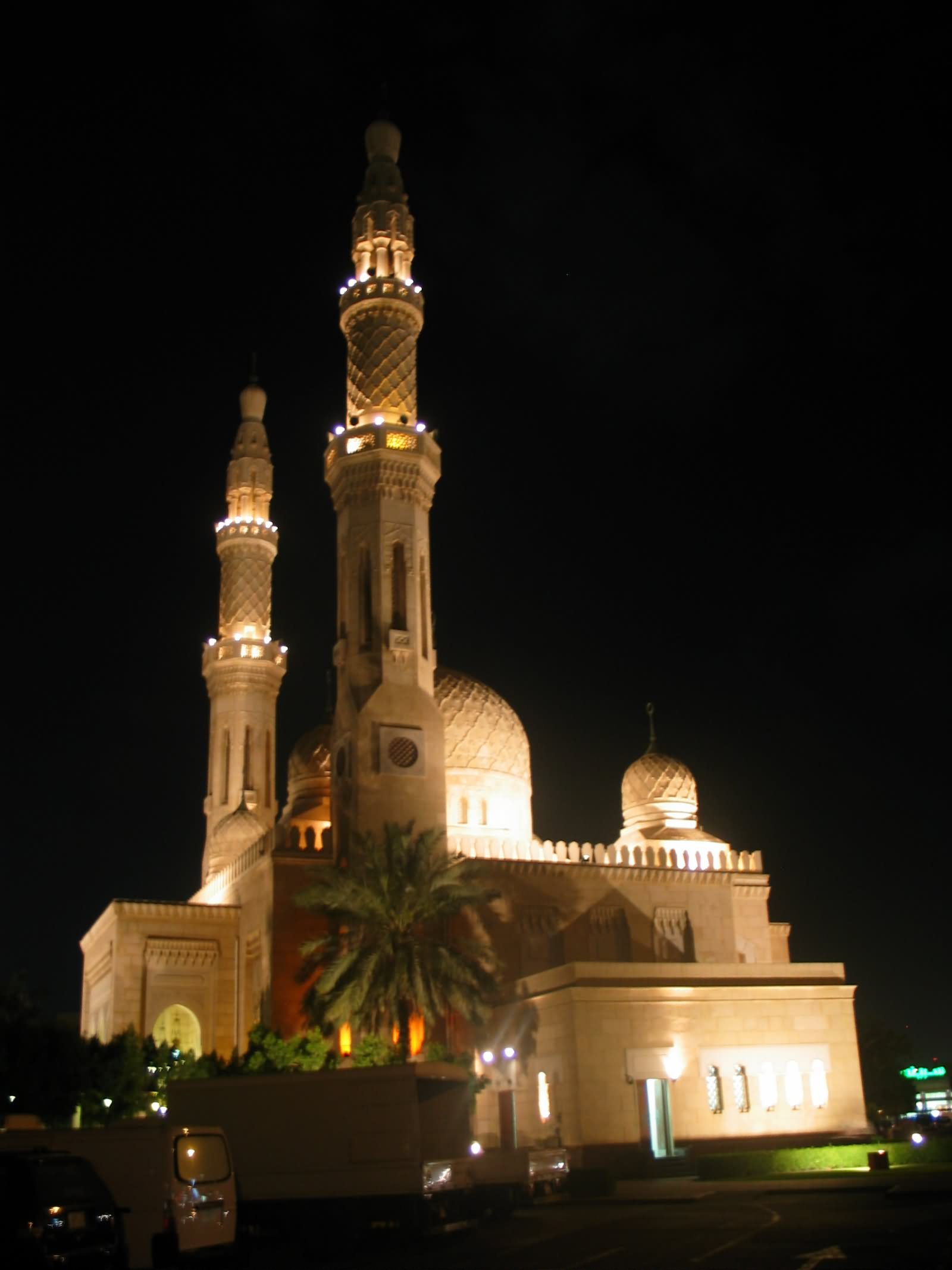 25 Very Beautiful Night View Pictures Of Jumeirah Mosque