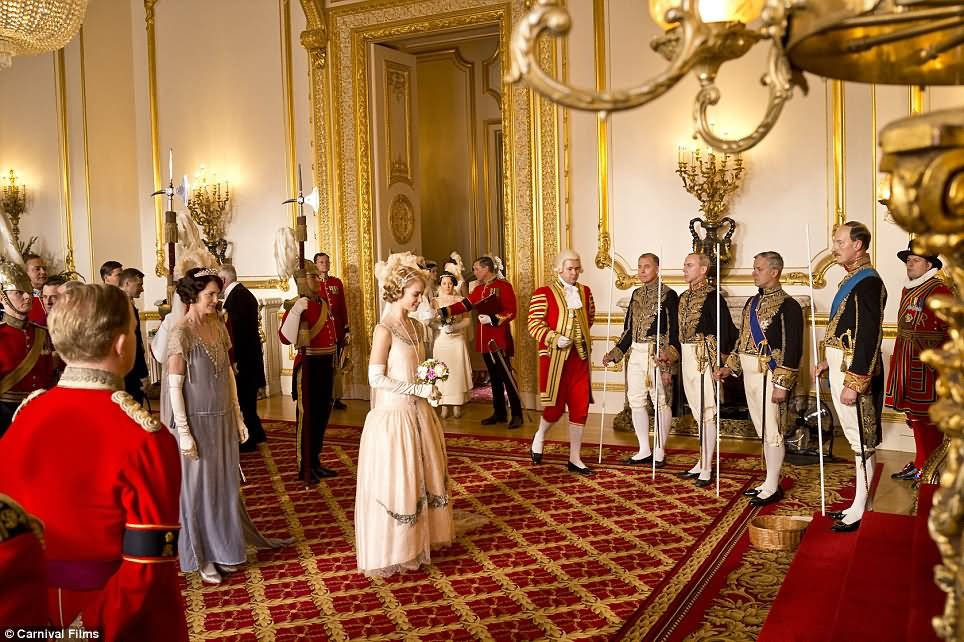 The Two Hour Christmas Special of Downton Abbey Is Set At Buckingham Palace - THE MOST BEAUTIFUL INTERIOR PICTURES OF BUCKINGHAM PALACE LONDON