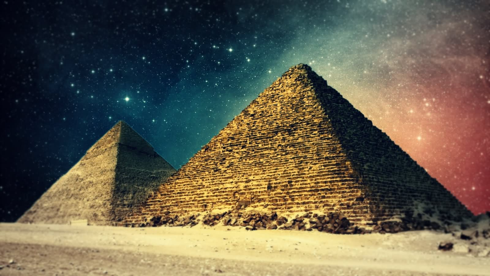 Adorable Night View Of Egyptian Pyramid
