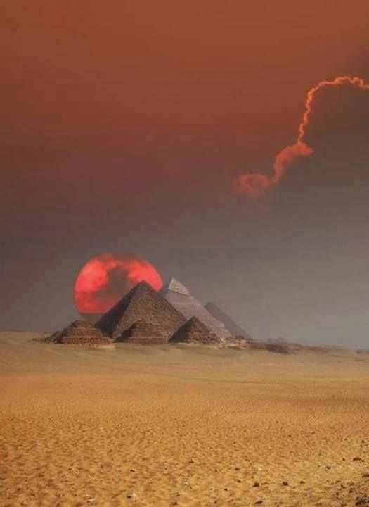 Adorable Sunsets Over The Egyptian Pyramids