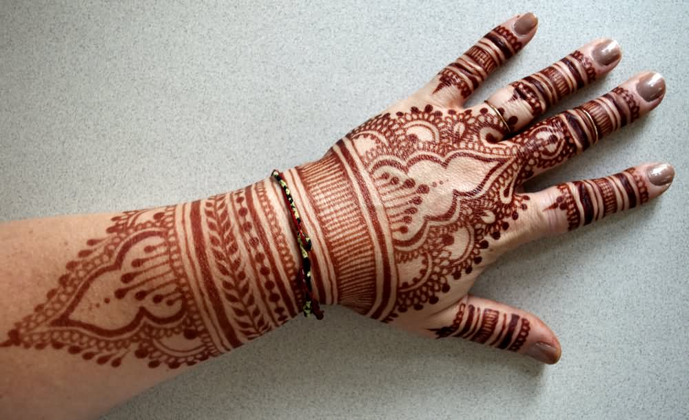 Mehndi Tattoo On Hand For Girls : Awesome henna tattoo on left hand