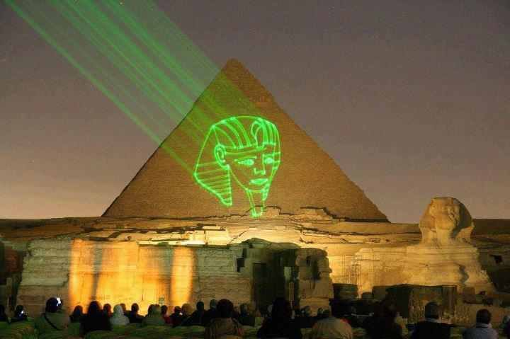 25 Most Incredible Night View Images And Pictures Of Egyptian Pyramid, Egypt
