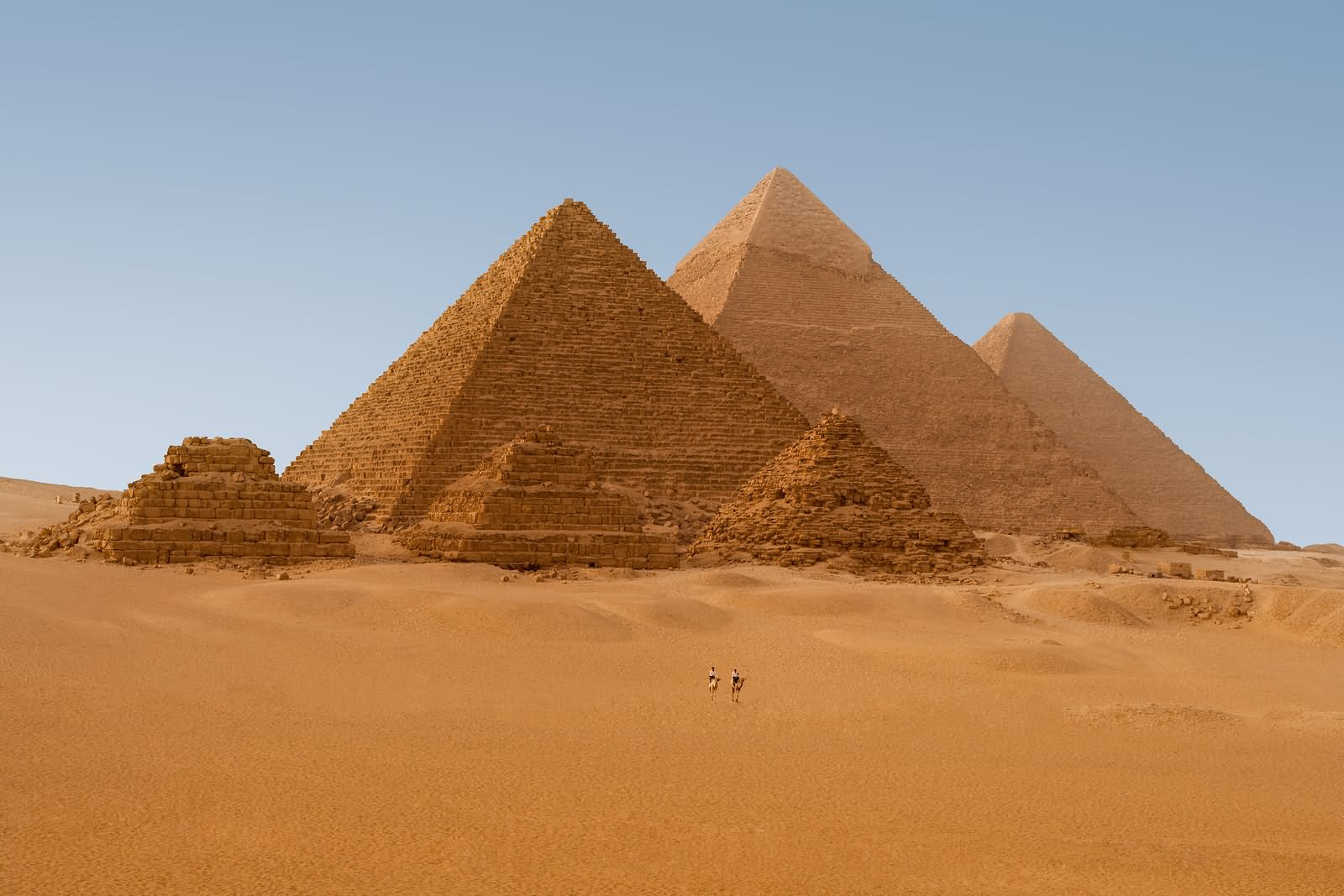 Beautiful Picture Of Egyptian Pyramids