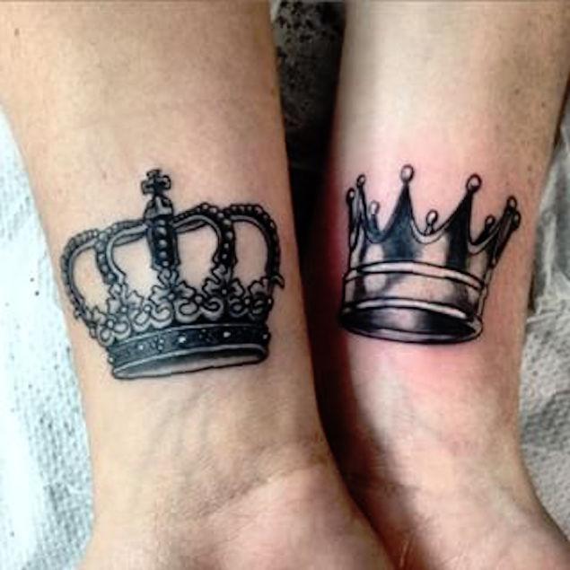 38 fantastic king crown tattoos. Black Bedroom Furniture Sets. Home Design Ideas