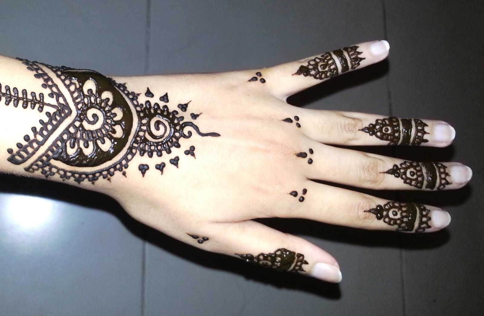 Henna Mehndi Tattoo Designs Idea For Wrist: 29+ Simple Henna Tattoos