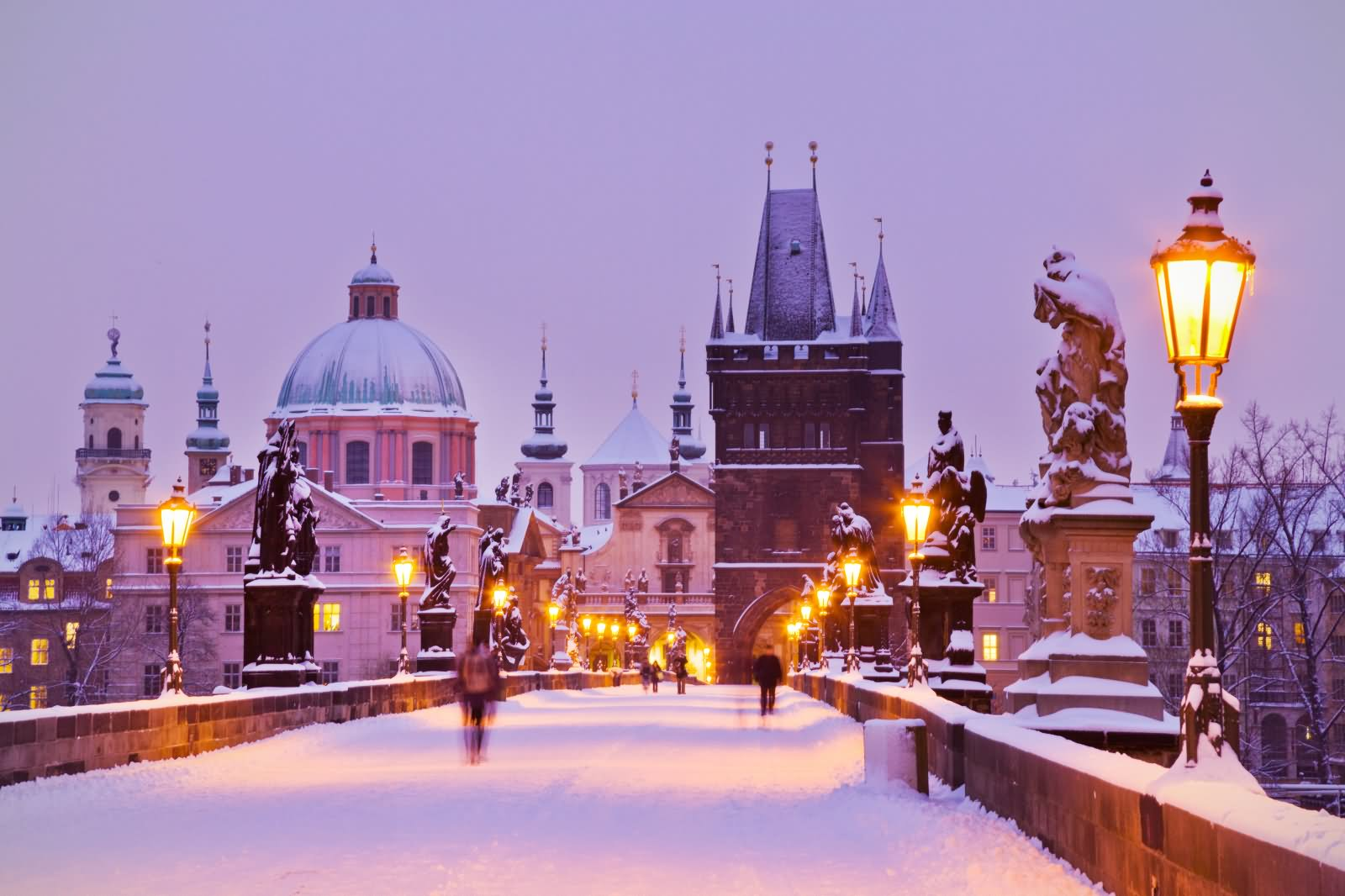 20 Beautiful Charles Bridge During Winter Pictures And Photos
