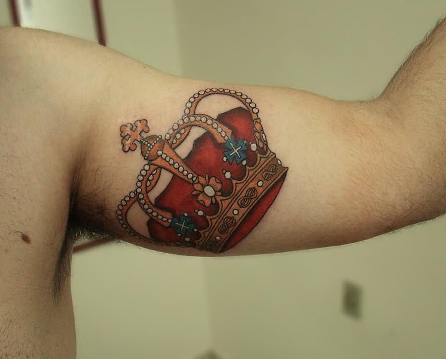cf628e3d54e59 Colorful King Crown Tattoo On Man Left Half Sleeve