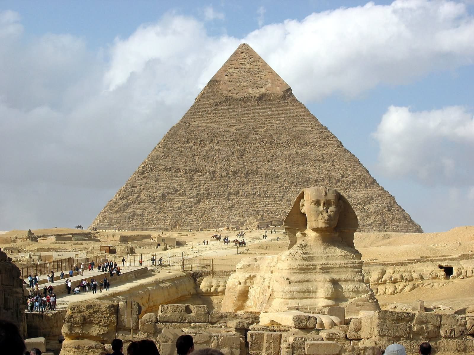 Great Sphinx of Giza And The Pyramid Of Khufu