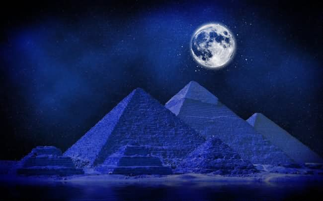 Incredible Night View Of Egyptian Pyramid With Full Moon