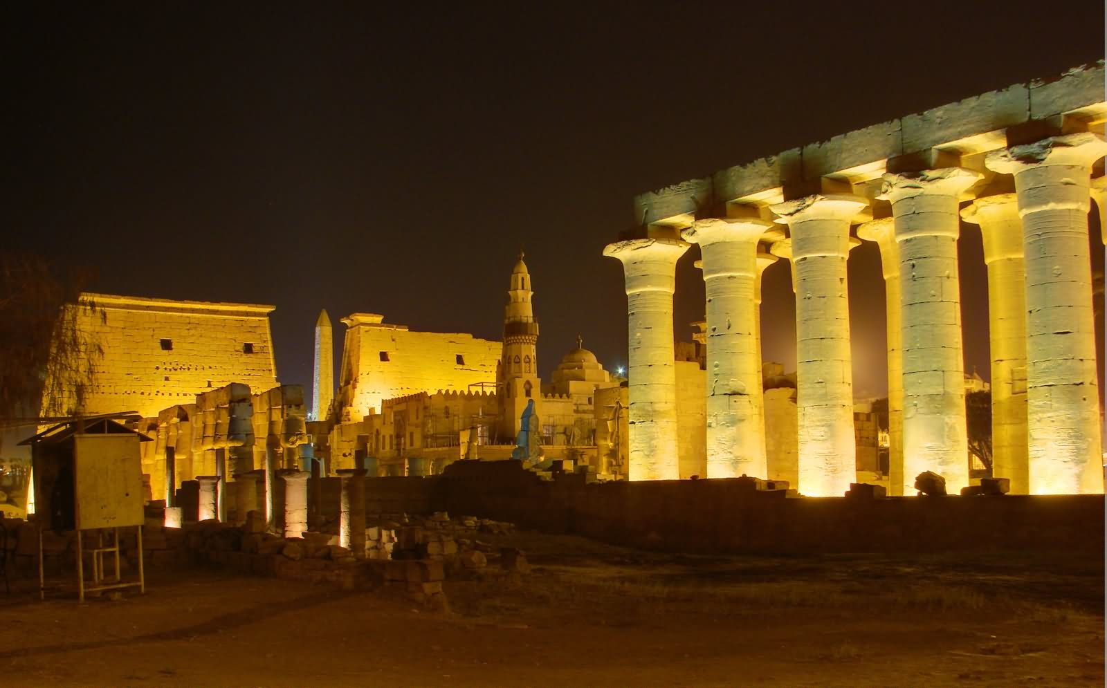 40 Most Incredible Night View Images And Pictures Of Luxor