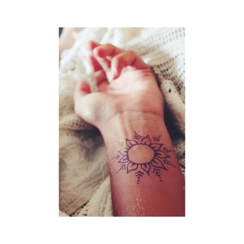 25+ Simple Wrist Henna Tattoos