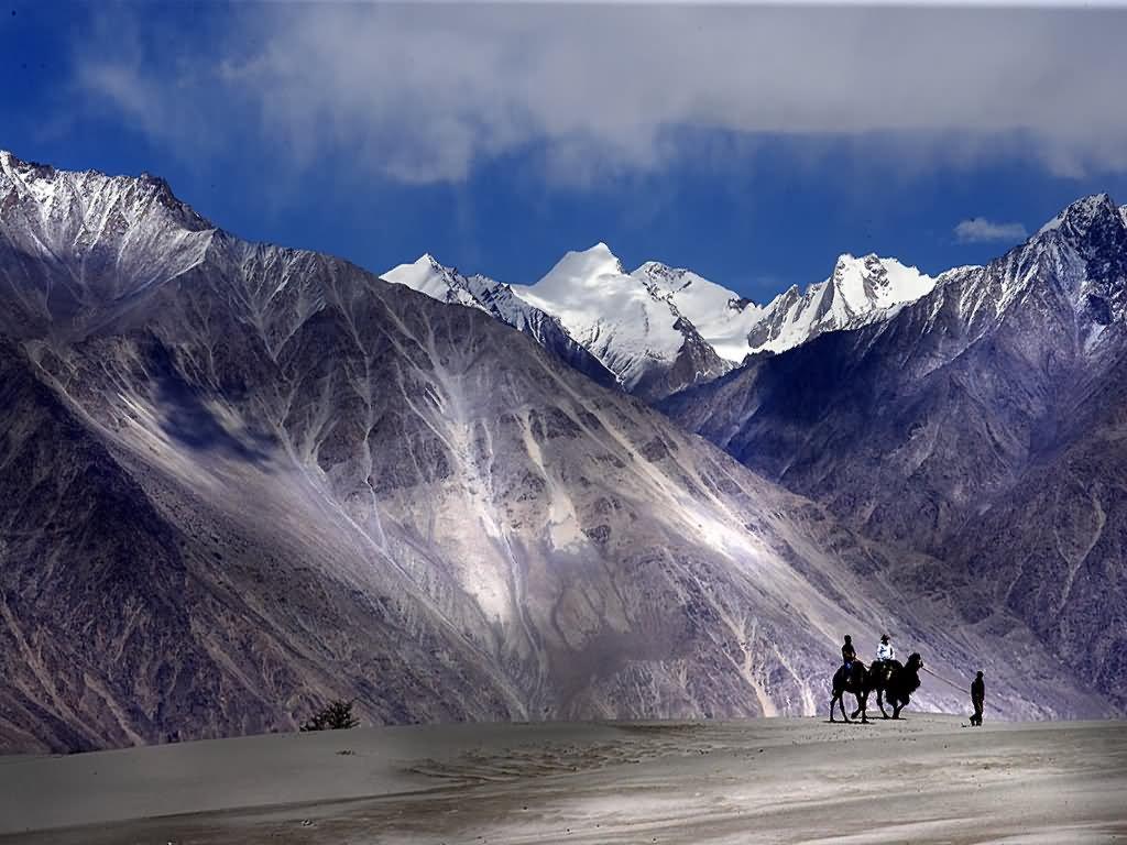 Write an essay on winter in kashmir