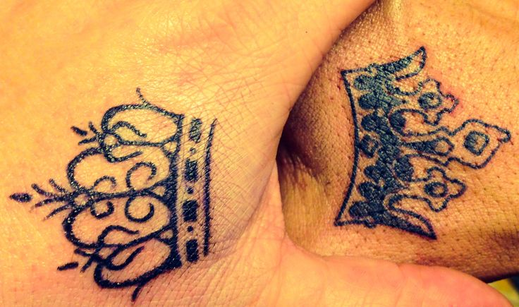 Black King And Queen Crown Tattoo On Couple Hand