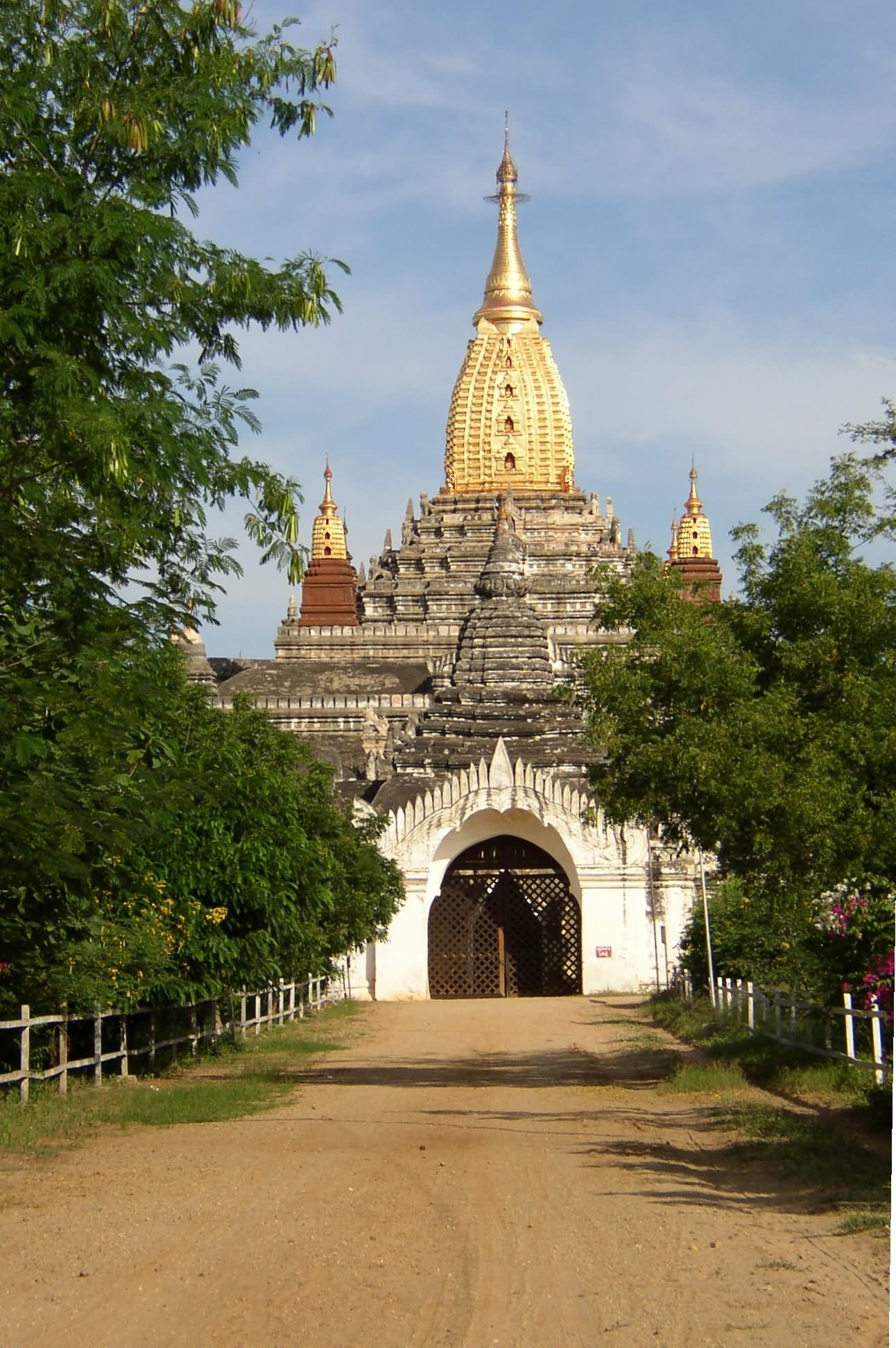 Front Picture Of The Ananda Temple, Myanmar