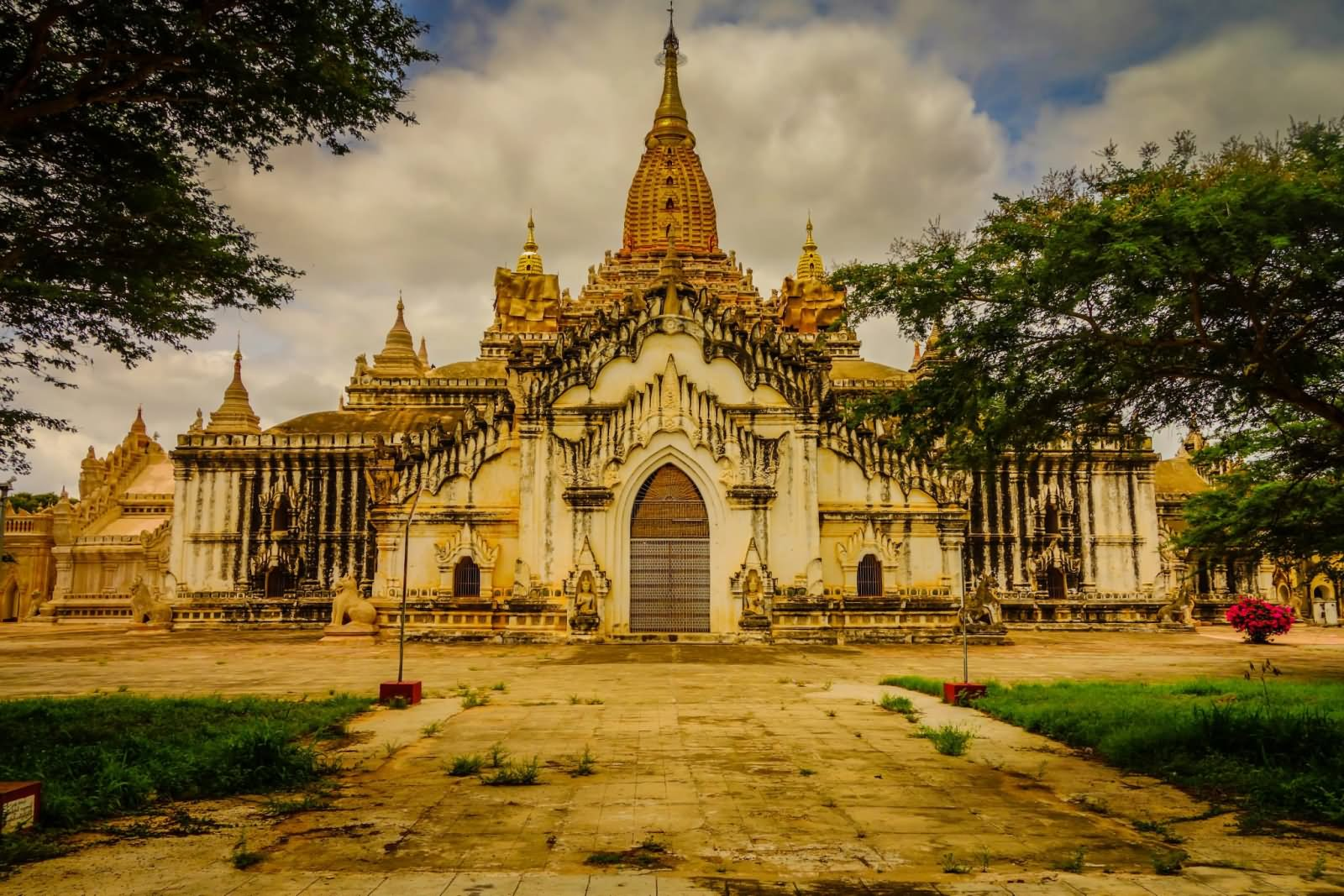 Front View Image Of The Ananda Temple, Myanmar