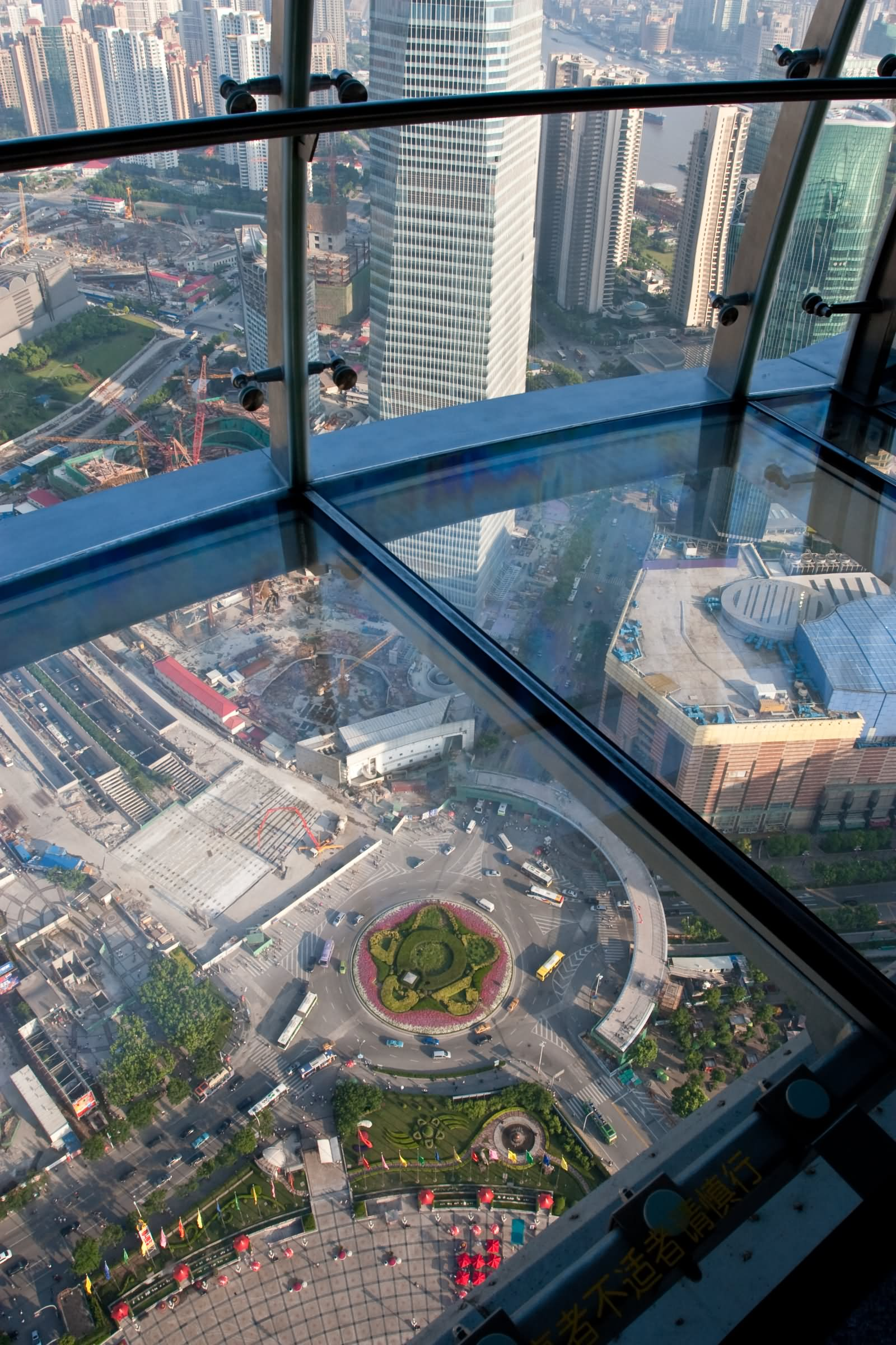 25 fantastic inside pictures and photos of the oriental for Glass deck floor