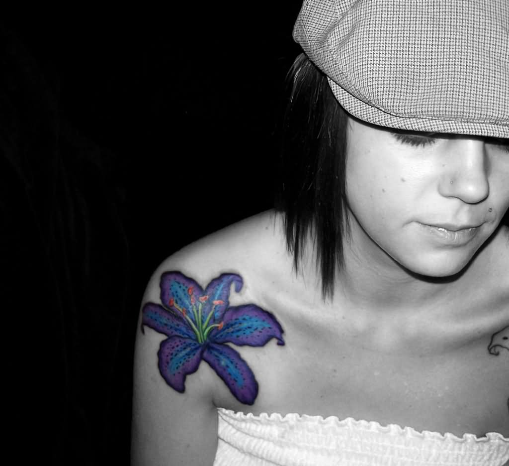 Flower Shoulder Tattoo Designs: 39+ Flowers Shoulder Tattoos