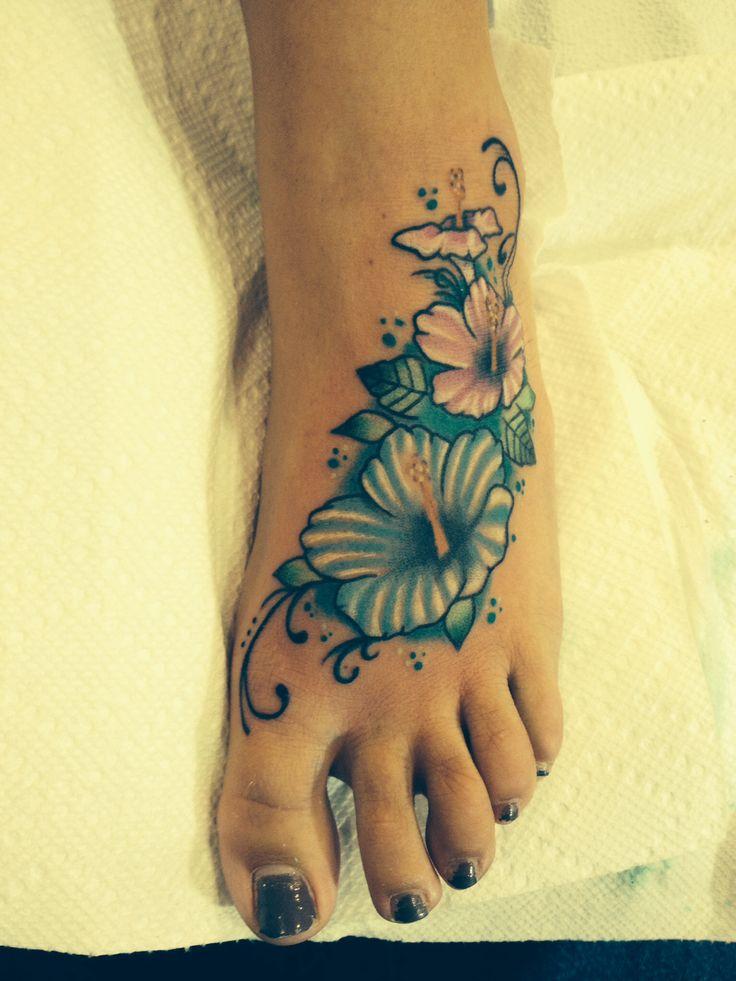 foto de 30+ Amazing Flower Tattoos On Foot