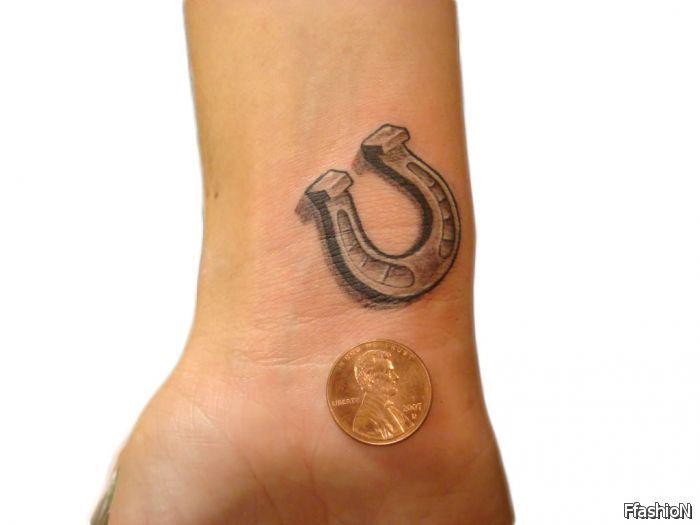 10 horse shoe tattoos designs for Horseshoe tattoo on wrist