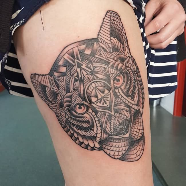 50 beautiful thigh tattoos for girls for Tattoos on the leg for females