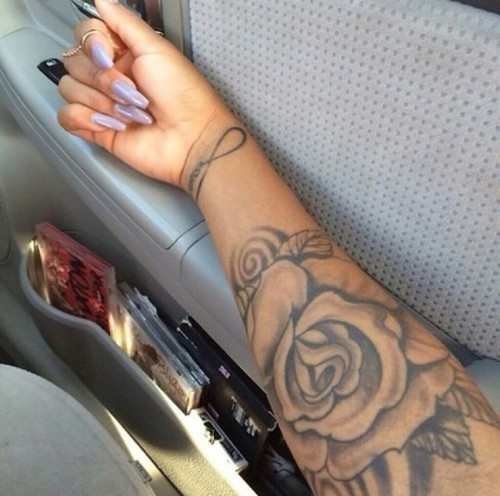 43+ Beautiful Forearm Rose Tattoos