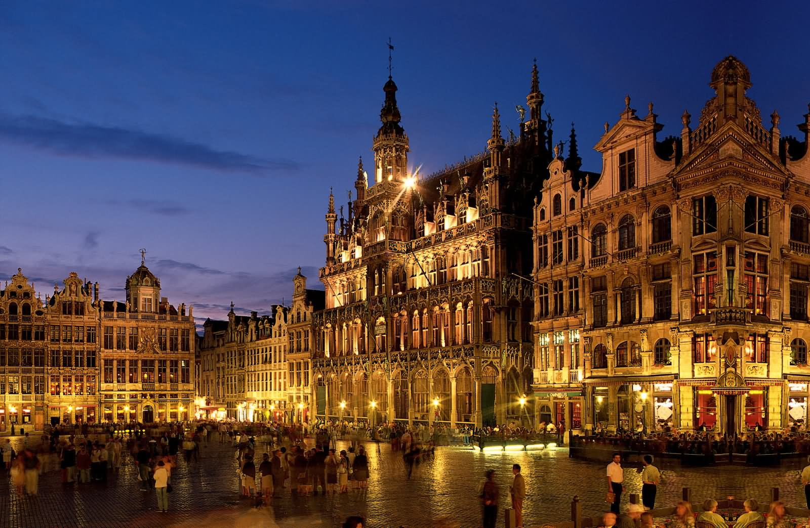 30 most beautiful grand place in brussels pictures at night for Hotel a bruxelles