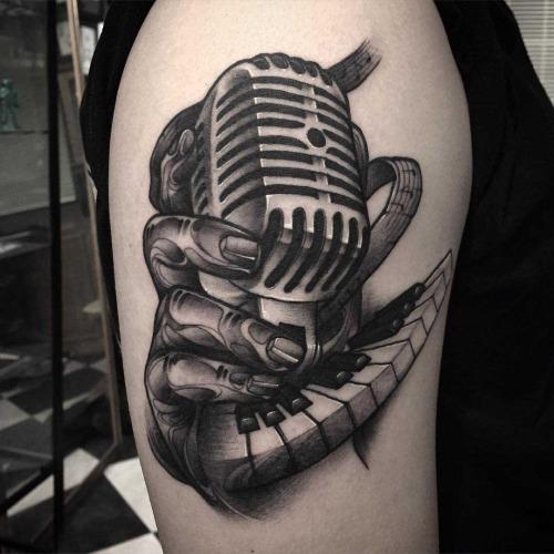 60 awesome microphone tattoos rh askideas com old school microphone traditional tattoo old school microphone tattoo designs