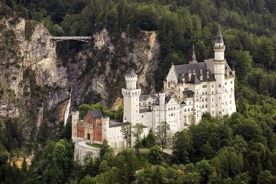 how to get to neuschwanstein castle from fussen