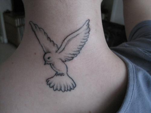 25+ Nice Birds Tattoos On Neck