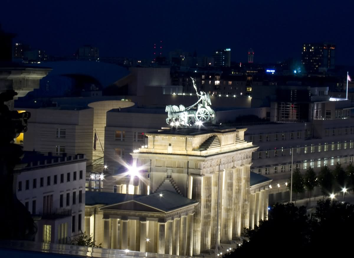 brandenburg gate at night - photo #32