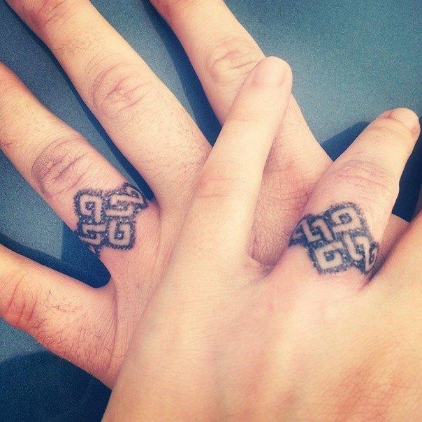 Tattoo Ringfinger