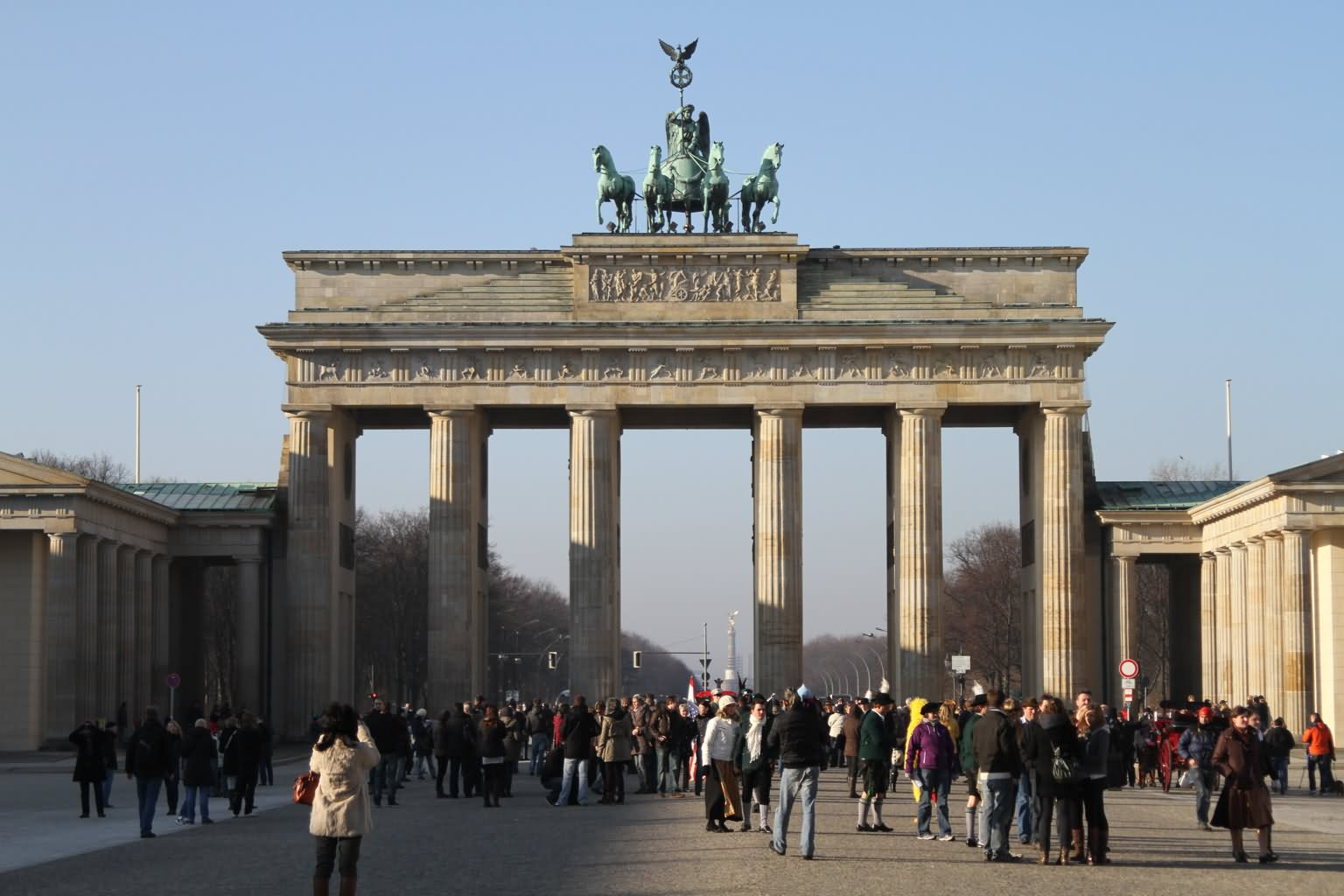 40 stunning pictures of the brandenburg gate in berlin germany. Black Bedroom Furniture Sets. Home Design Ideas