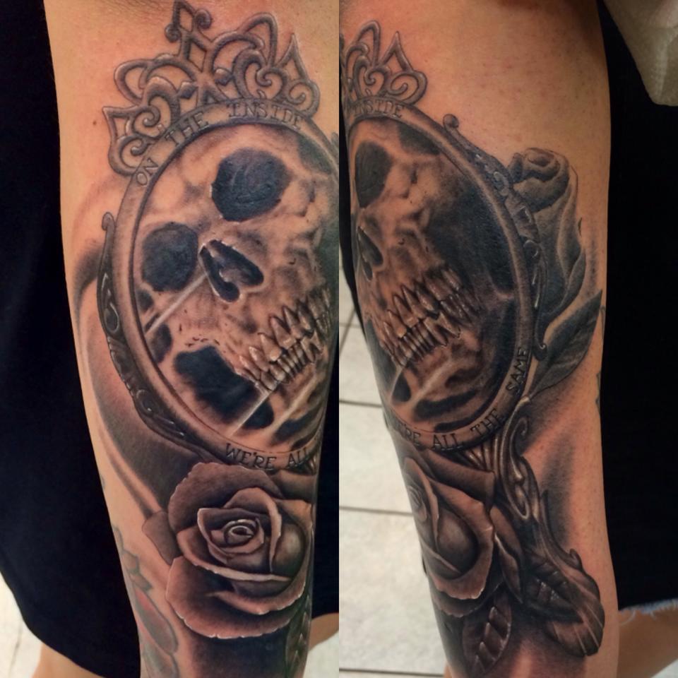 51 Beautiful Hand Mirror Tattoos