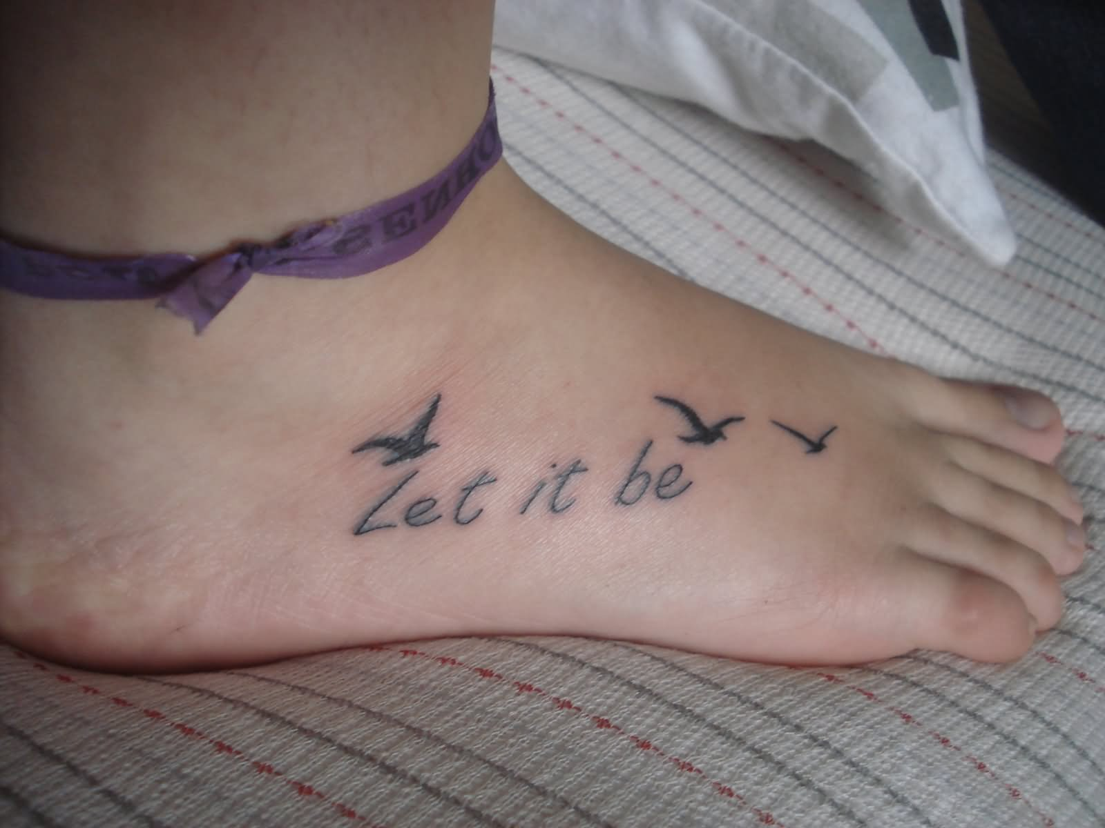 48 famous bird foot tattoos for Tattoo on the foot