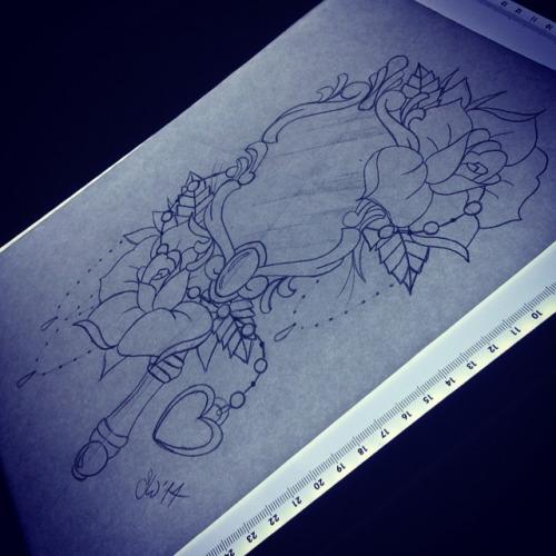 15 Hand Mirror Tattoo Designs