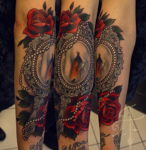 51+ Beautiful Hand Mirror Tattoos