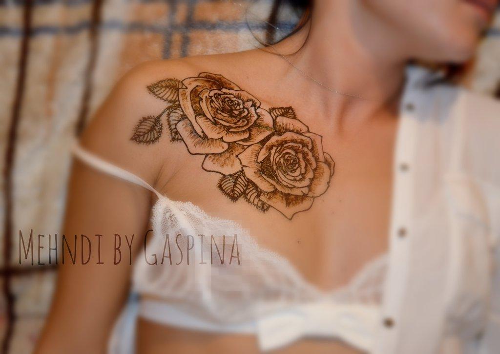 55 awesome collar bone tattoos for Collar bone tattoos girl