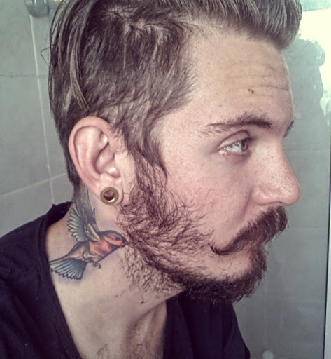 Tattoo For Man In Neck: 25+ Nice Birds Tattoos On Neck