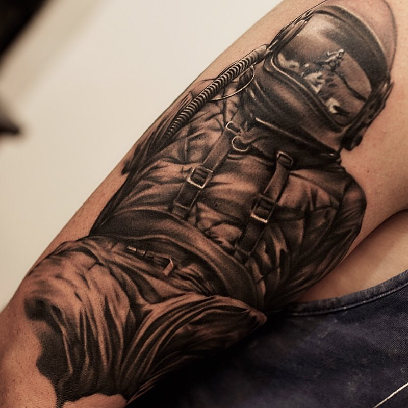 Batman And Superman Tattoo On Leg