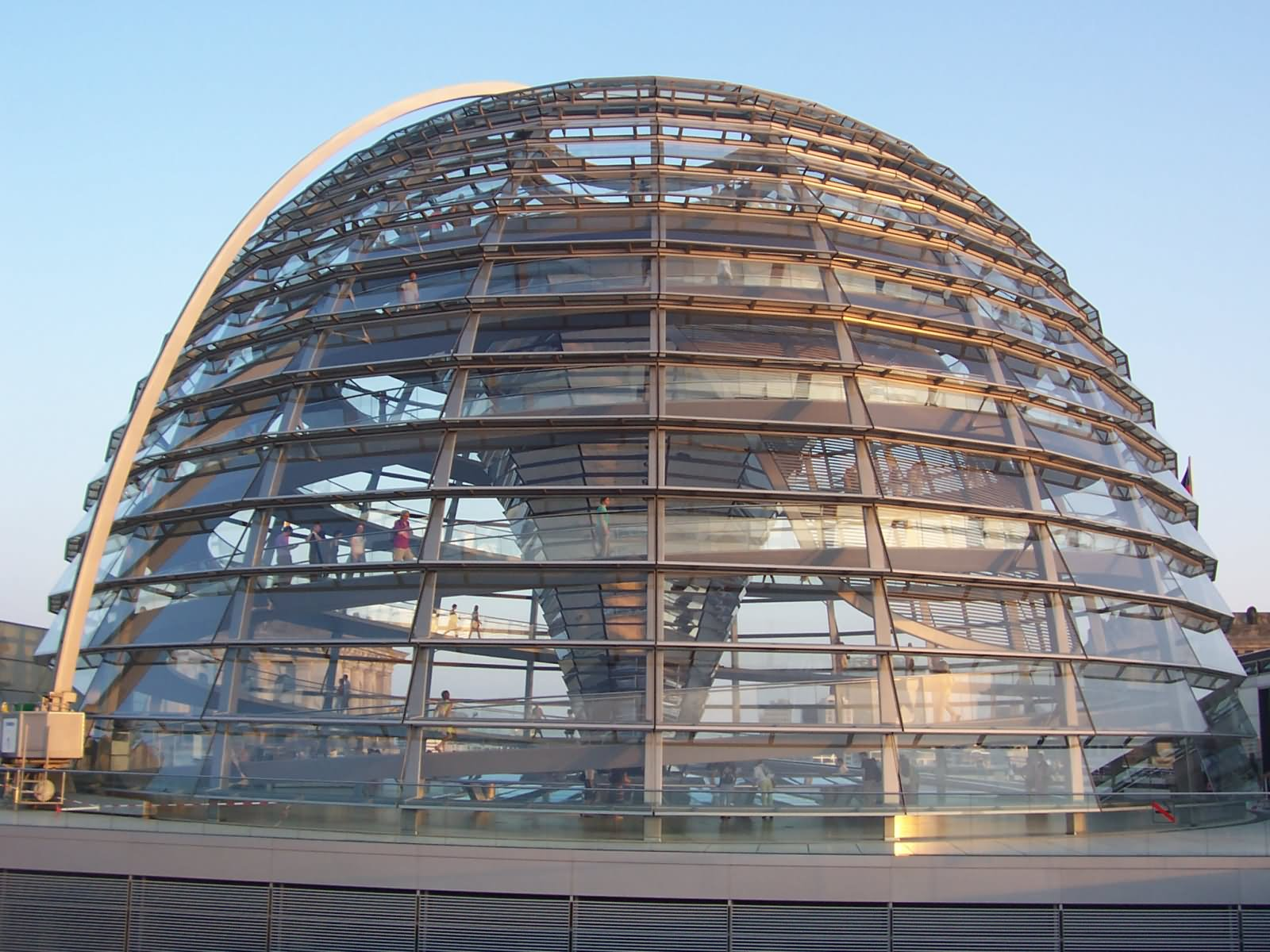beautiful dome of the reichstag building berlin. Black Bedroom Furniture Sets. Home Design Ideas