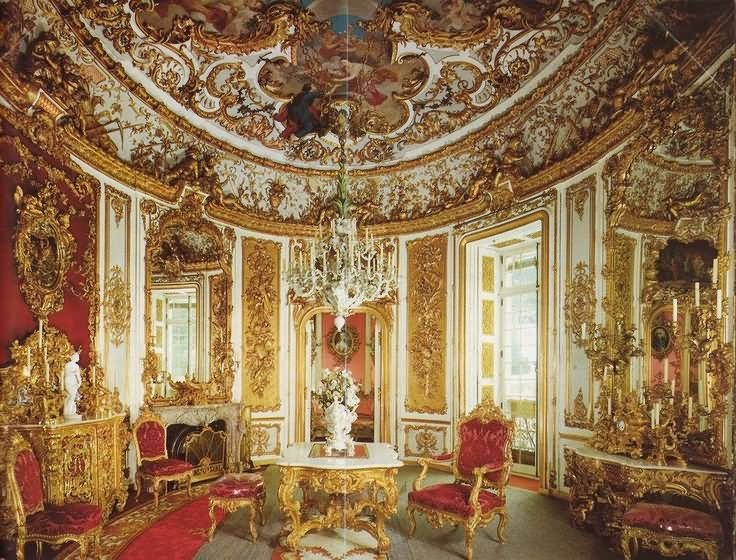 Superbe Beautiful Interior Of The Linderhof Palace In Bavaria
