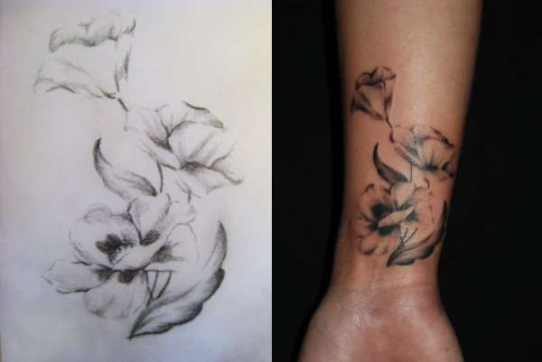 Flower Design On The Wrist Henna Tattoo: 24+ Black And White Poppy Tattoos